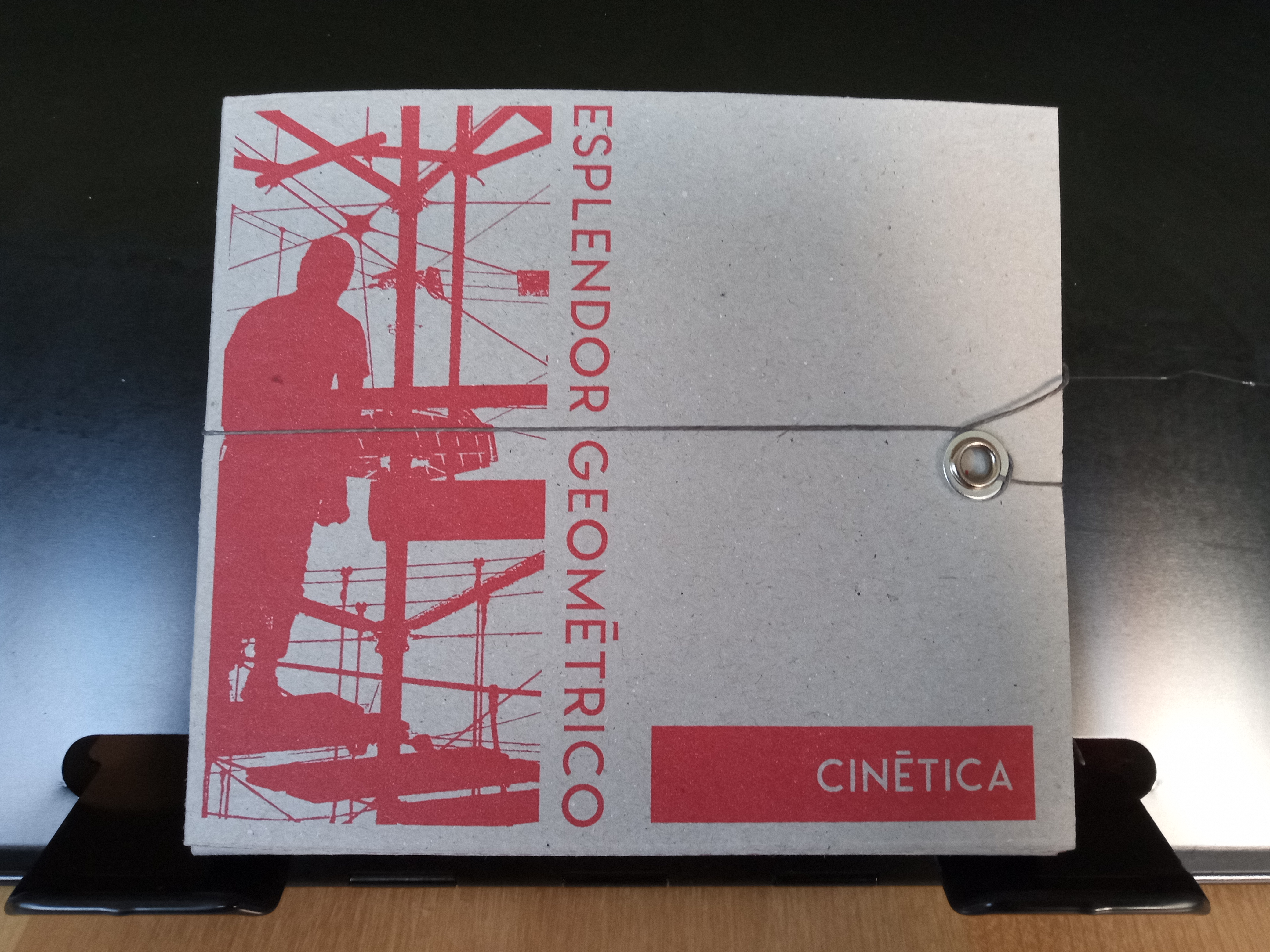 CINÉTICA: Special Edition Cardboard Box. 2xCD digipack